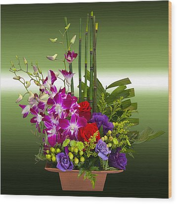 Floral Arrangement - Green Wood Print by Chuck Staley
