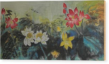 Floral White 2 Wood Print by Min Wang