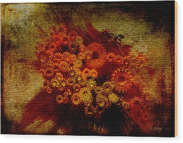 Flower Works Wood Print by Fran Riley