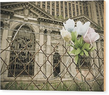 Flowers For Detroit Wood Print