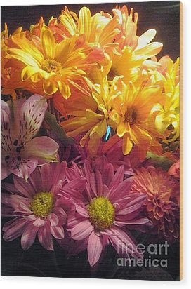 Flowers2 Wood Print by Susan Townsend