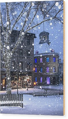 Wood Print featuring the photograph Flurries In Quebec City by Arkady Kunysz