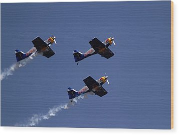 Wood Print featuring the photograph Flying Bulls by Ramabhadran Thirupattur