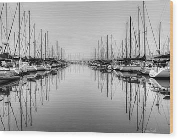Wood Print featuring the photograph Foggy Autumn Morning - Black And White by Heidi Smith