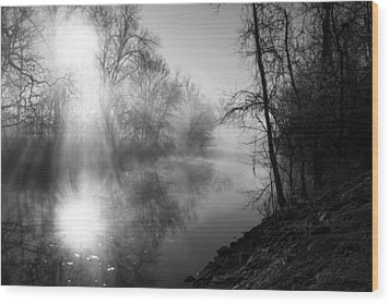 Foggy Misty Morning Sunrise On James River Wood Print