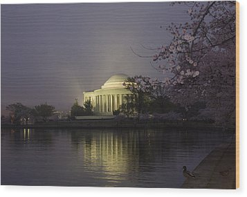 Foggy Morning At The Jefferson Memorial 1 Wood Print