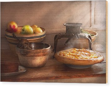 Food - Pie - Mama's Peach Pie Wood Print by Mike Savad