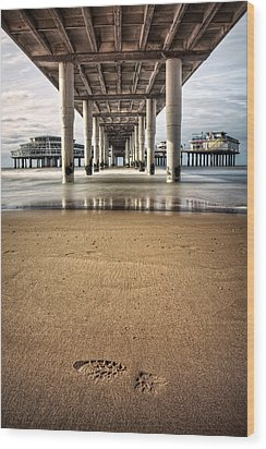 Footprints In The Sand Wood Print by Dave Bowman