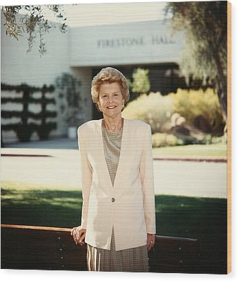 Former First Lady Betty Ford Posing Wood Print by Everett