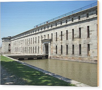 Fort Delaware Sally Port Entrance Wood Print