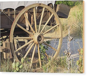 Fort Laramie Wy - Moving West On Wagon Wheels Wood Print by Christine Till
