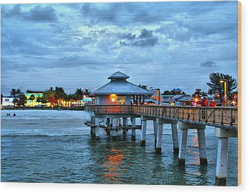 Wood Print featuring the photograph Fort Myers Beach by Rosemary Aubut
