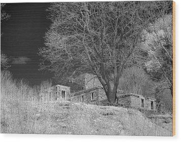 Fort Williams In Ir 3 Wood Print by Joann Vitali