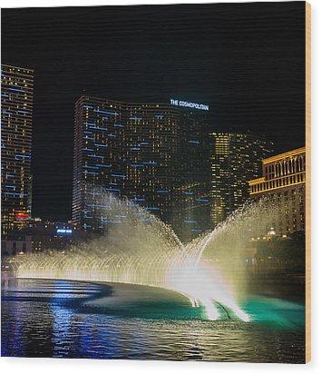 Fountain Spray Wood Print by Zachary Cox