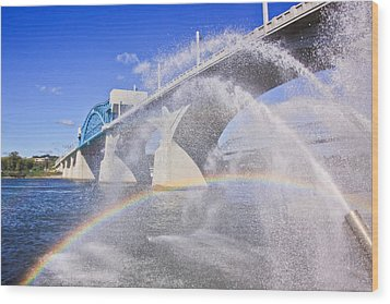 Fountains And The Market Street Bridge Wood Print by Tom and Pat Cory