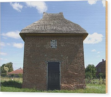 Wood Print featuring the photograph Foxton Dovecote by Richard Reeve