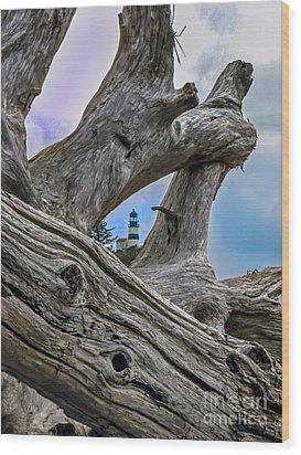 Framed Lighthouse Wood Print by Robert Bales