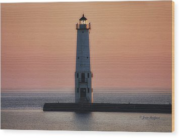 Wood Print featuring the photograph Frankfort Lighthouse II by Joan Bertucci