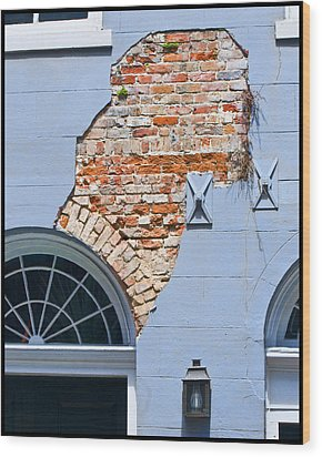 Wood Print featuring the photograph French Quarter Architecture by Ray Devlin
