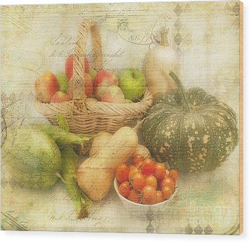 Fresh From The Garden Wood Print by Linda Lees