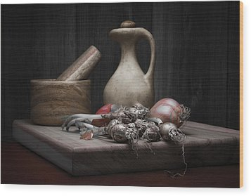Fresh Onions With Pitcher Wood Print