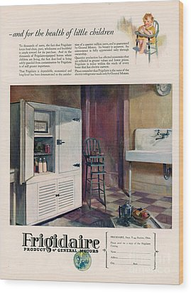 Frigidaire 1926 1920s Usa Cc Fridges Wood Print by The Advertising Archives