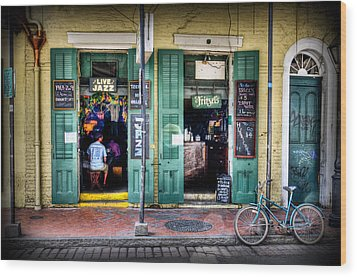 Wood Print featuring the photograph Fritzels Bar On Bourbon Street by Ray Devlin
