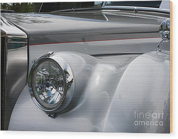 Wood Print featuring the photograph Front Of A Rolls Royce by Gunter Nezhoda