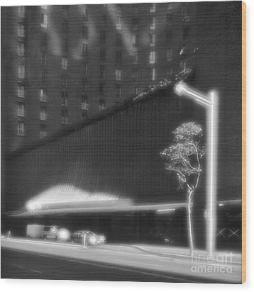 Frontage Of Hotel In Sydney Wood Print by Colin and Linda McKie