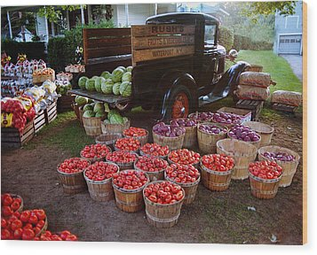 Fruit And Vegitable Stand Truck Wood Print