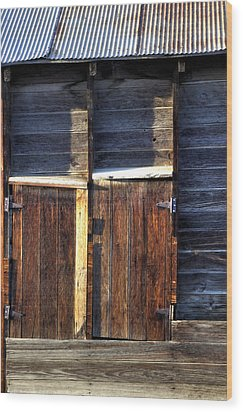Ft Collins Barn Tin 13547 Wood Print by Jerry Sodorff