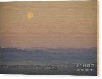 Full Moon At Sunrise Over Spanish Coast Wood Print by Deborah Smolinske