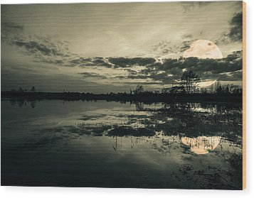 Full Moon Wood Print by Jaroslaw Grudzinski
