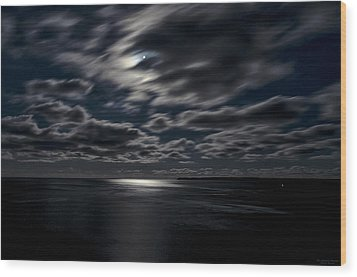 Full Moon On The Bay Of Fundy Wood Print by Marty Saccone