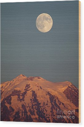 Full Moon Over Mount Rainier Wood Print