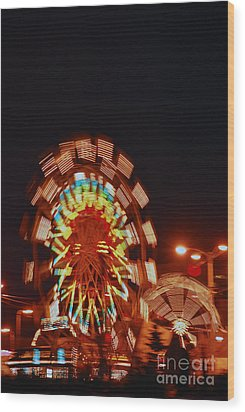 Wood Print featuring the photograph Fur Rondy Ferris Wheel In Anchorage by Cynthia Lagoudakis