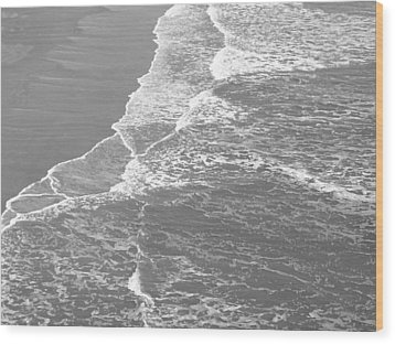 Galveston Tide In Grayscale Wood Print