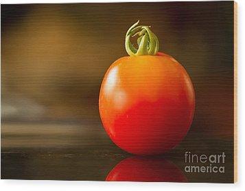 Garden Ripe Tomato Wood Print by Randy Wood