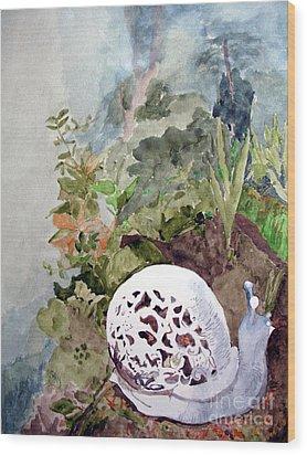 Garden Snail Wood Print by Sandy McIntire