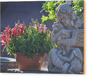 Garden Statue Wood Print by Penni D'Aulerio