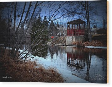 Gazebo By The Creek 01 Wood Print by Guy Hoffman