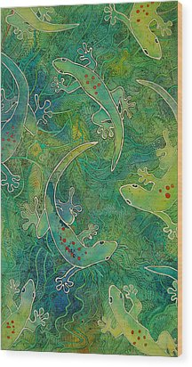 Gecko Magic Wood Print by Terry Holliday