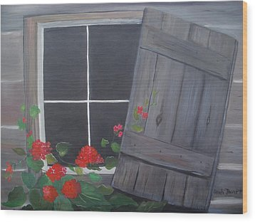 Geraniums At Log Cabin Wood Print by Glenda Barrett