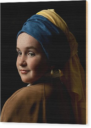 Girl With A Pearl Earring Wood Print by Levin Rodriguez