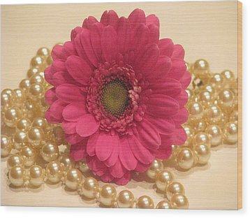 Girls Like Pearls Wood Print by Angela Davies