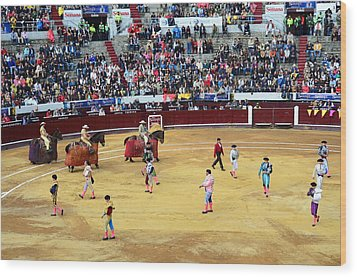 Glamour In The Bullfight Wood Print by Laura Jimenez