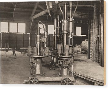 Glass-blowing Machine, 1908 Wood Print by Science Photo Library