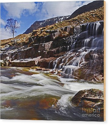 Wood Print featuring the photograph Glen Etive by Craig B