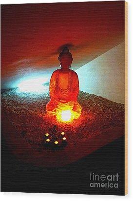 Glowing Buddha Wood Print by Linda Prewer