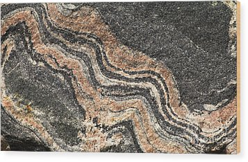 Gneiss Rock  Wood Print by Les Palenik